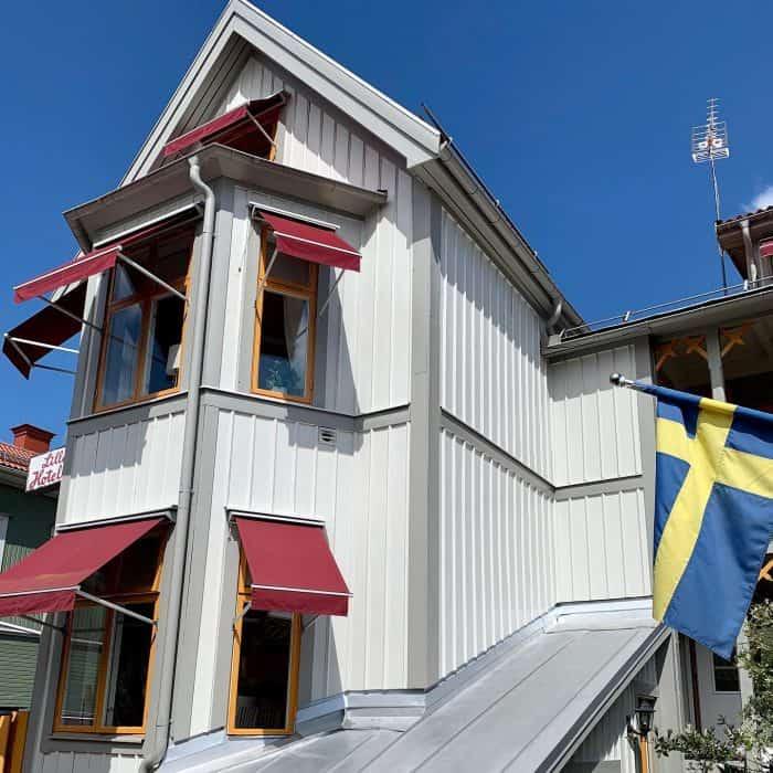 Måleriföretag EBL Måleri har utfört målnings arbete om Lilla Hotellet i Nora