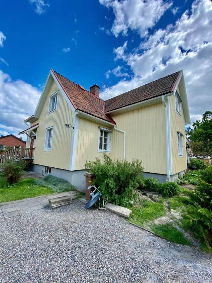 målning av ett hus i Örebro